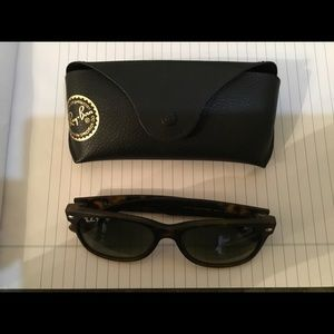 Ray ban polarized wayfar sunglasses.